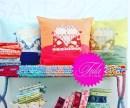 Om du vil ha inspirasjon til flere fargekombinasjoner så burde du gå inn på Tula Pink's hjemmeside