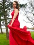 De mange, mange meterne med stoff gir kjolen den helt riktige svung som Andrea ville ha