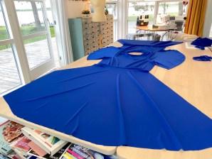 Kjolen er klar til å sys sammen i sidesømmene