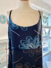 Her ser du vrangsiden av den ferdige kjolen - empiretoppen er lik på forsiden og baksiden.