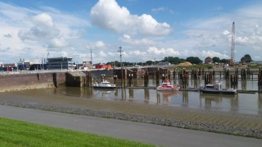 Welcome to the tidal waters! This is Brunsbuttel lock on the Elbe river side at low tide.
