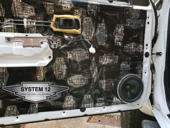 Mobile installation Car Builder sound deadening