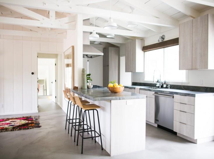 Маленькая Кухня в стиле Лофт в квартире - 14 способов максимизации пространства
