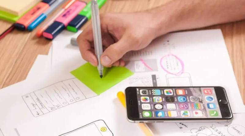 Digital tools are now part of everyday life. A corporate app would fit into an existing routine.