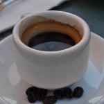カフェインは酒さを悪化させる?悪化因子の代表格カフェインの悪影響について。