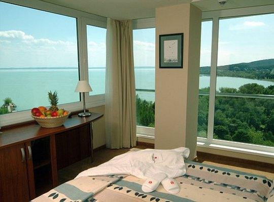 Balatonalmádi szálloda