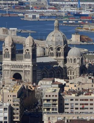 Marseille belváros, kereskedelmi kikötő és a katedrális