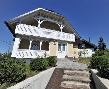 Bledi-tó villa ház