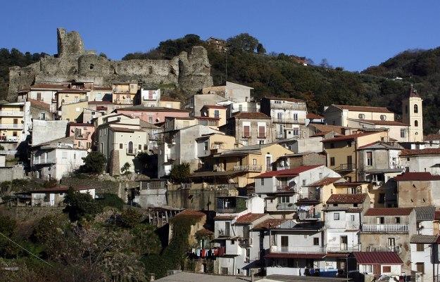 Lamezia Terme vár-romok és házak