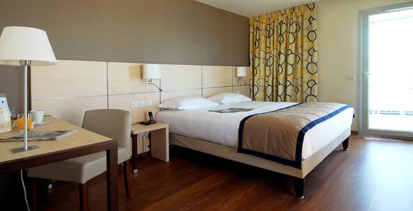 touloni szálloda szoba