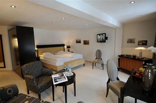 Waldhotel Doldenhorn - szoba