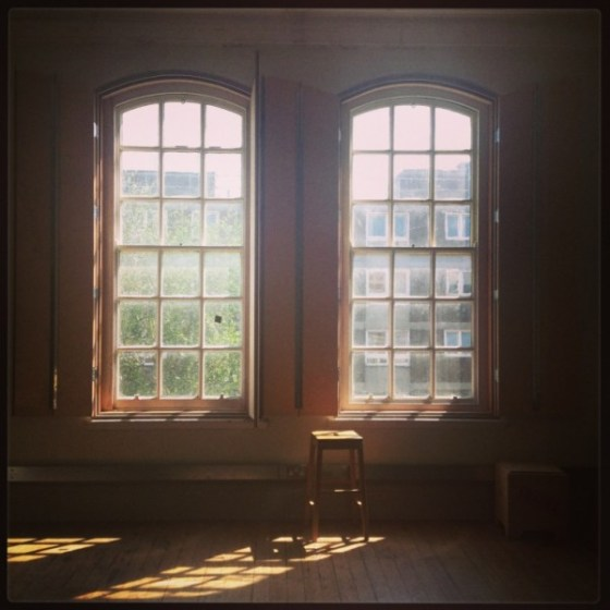 sunshine-empty-room-600x600