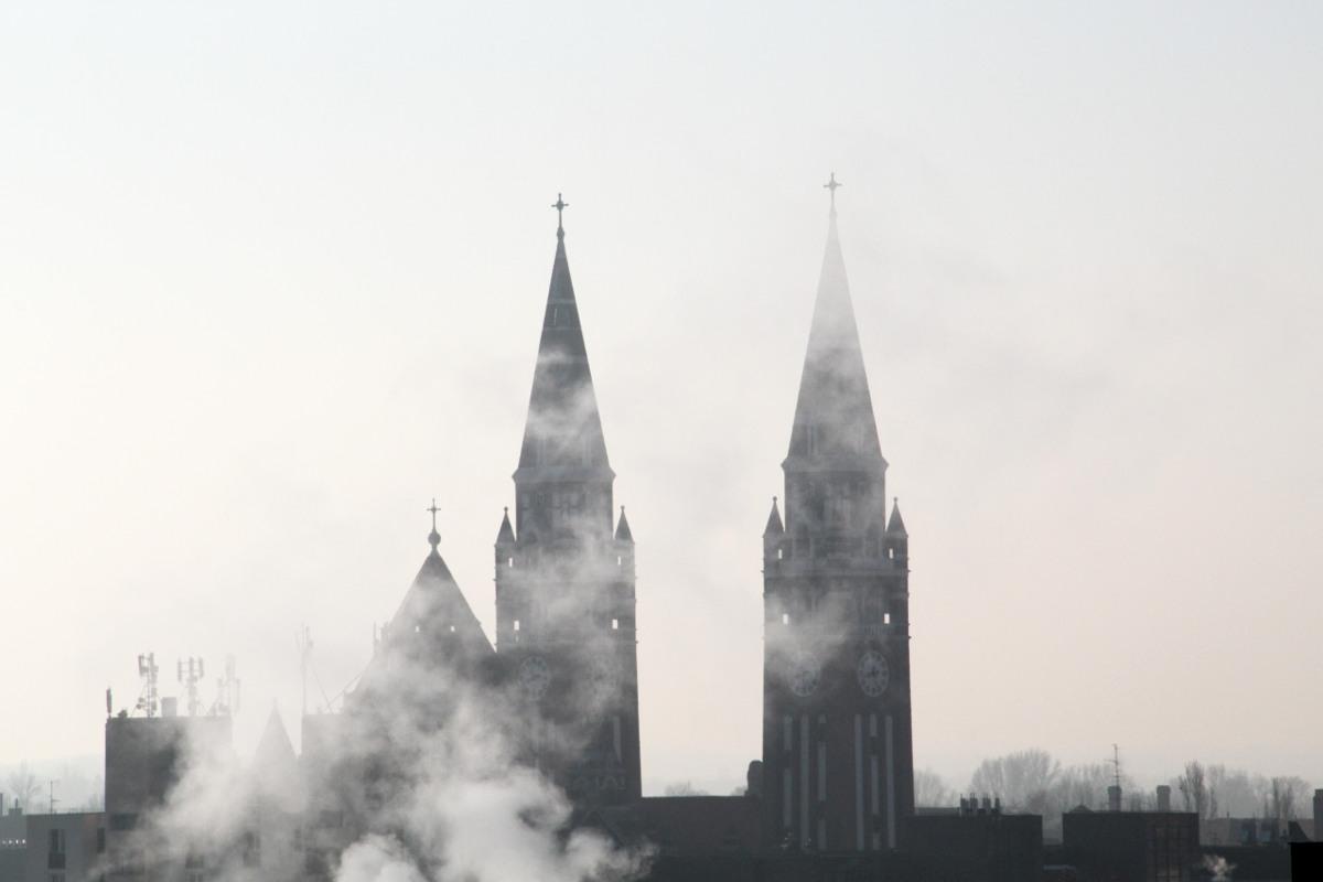 dóm templom füst gőz látkép belváros reggel időjárás tél szmog