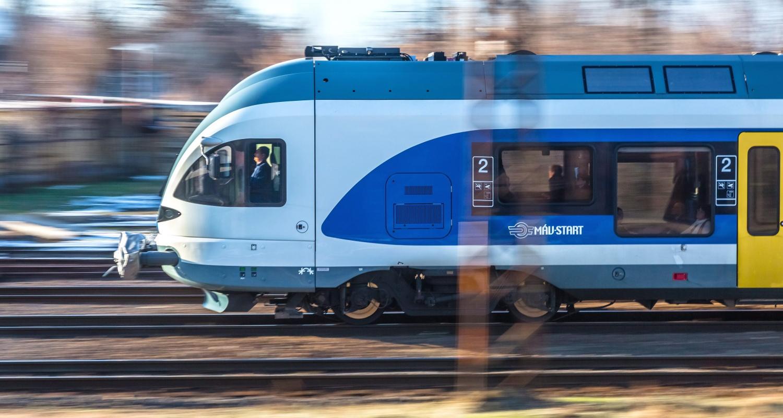 Közlekedés - Budapest - A MÁV modern személyvonata