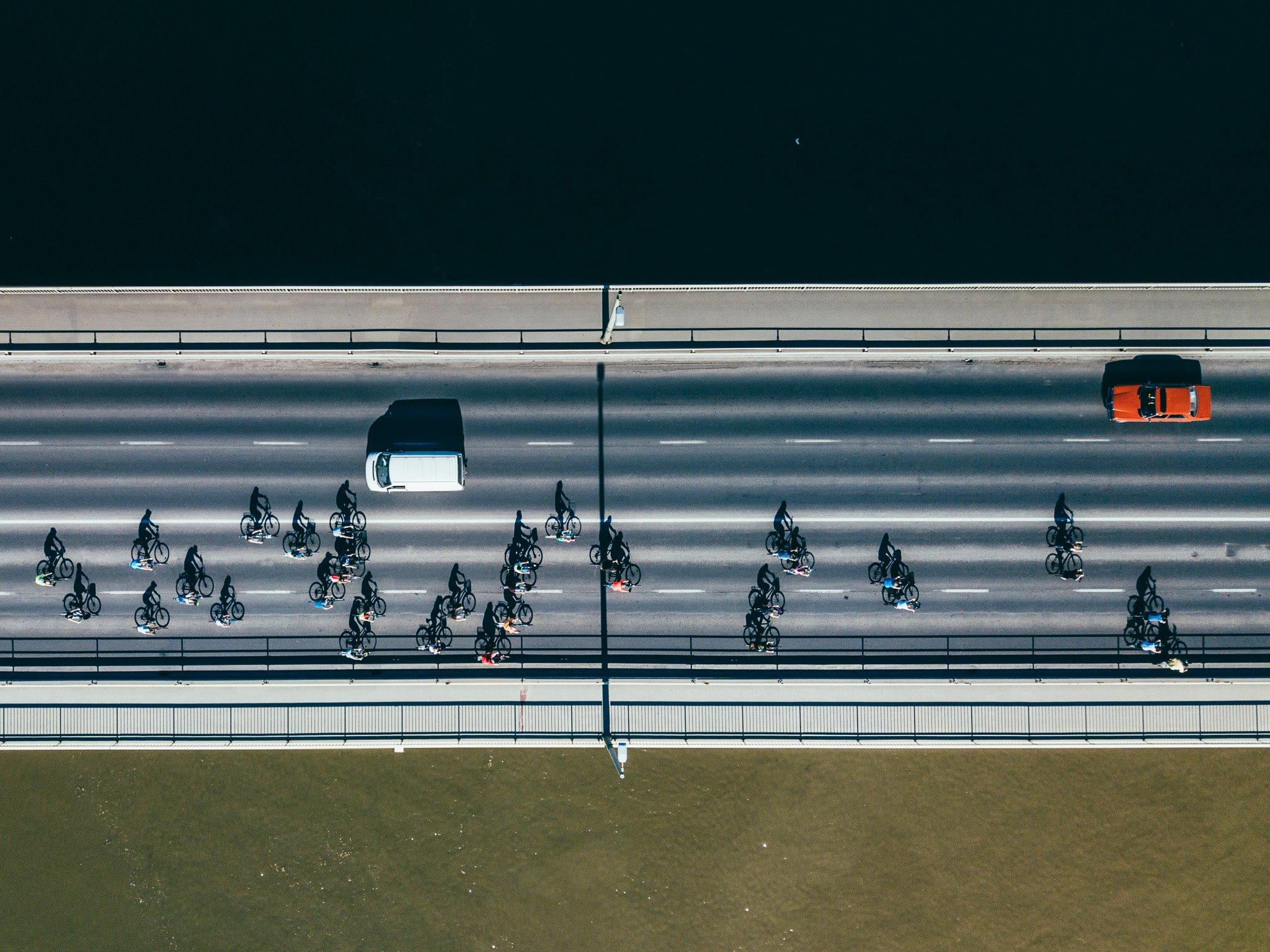 critical mass drón bicikli bertalan híd f sada domonkos
