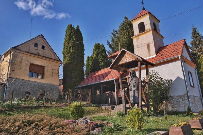 Valkonya - Szent Péter és Pál apostolok kápolna