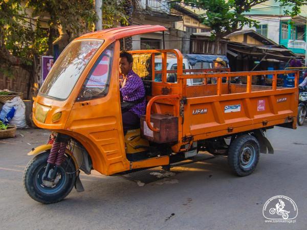 transport w Birmie - ulice Mjanmy
