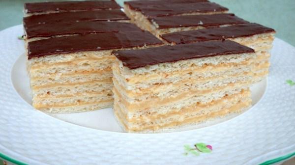 Fahéjas-krémes (hatlapos) sütemény