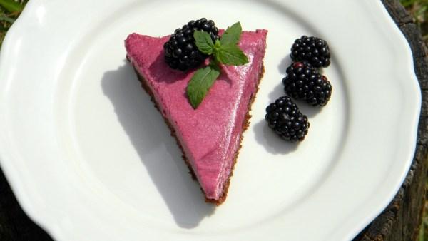 Tejszínes-szederkrémes torta