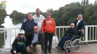 A csapat a Bodrog hídon