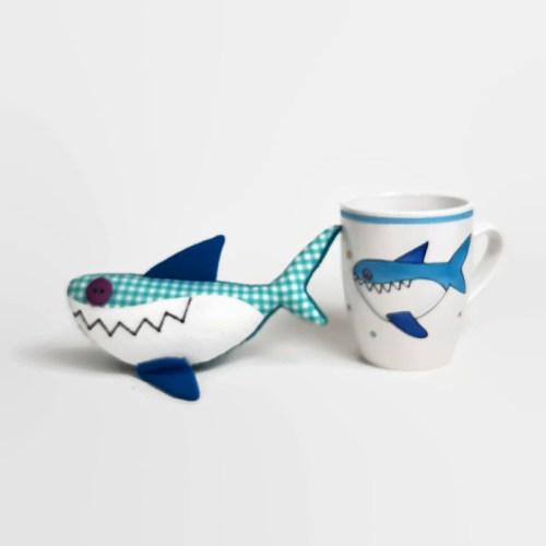 cápás bögre