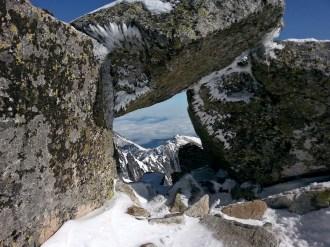 okno skalne na wierzchołku Baranich Rogów