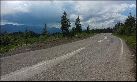 Droga Wolności w kierunku na Podbańskie.