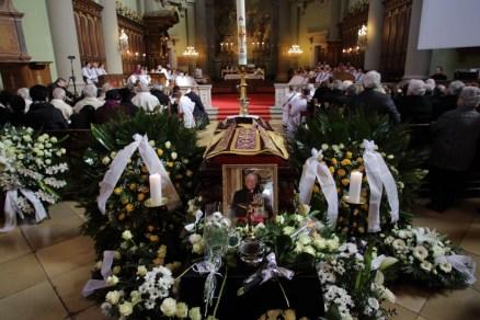 Leontin temetés008