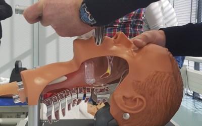 Szkolenia z zakresu udzielania pierwszej pomocy (BLS) oraz zaawansowanych zabiegów resuscytacyjnych (ALS).