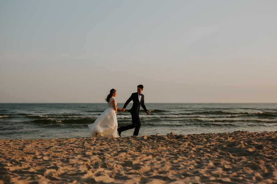 plener ślubny nad polskim morzem