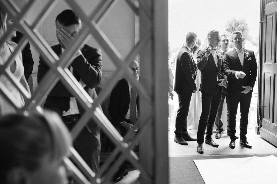 wejście do kościoła na ślub