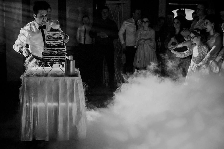 tort naked cake ciężki dym