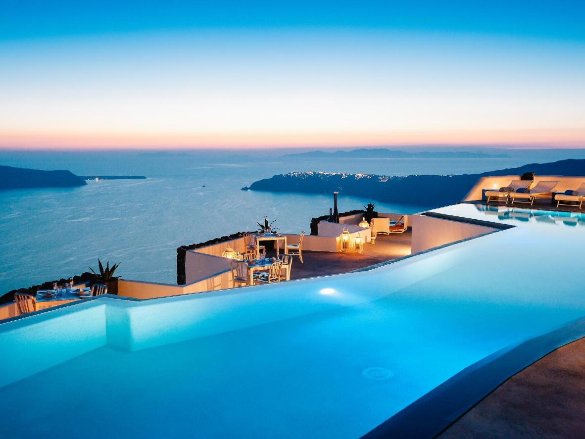 9 Breathtaking Infinity Pools  Bookingcom