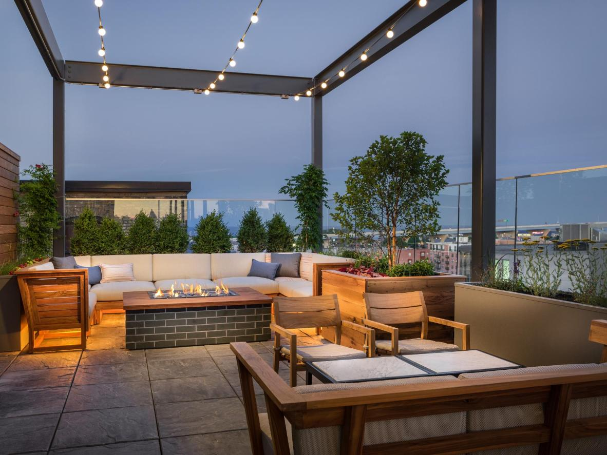 Journeyman Kimpton Hotel Rooftop Bar Milwaukee