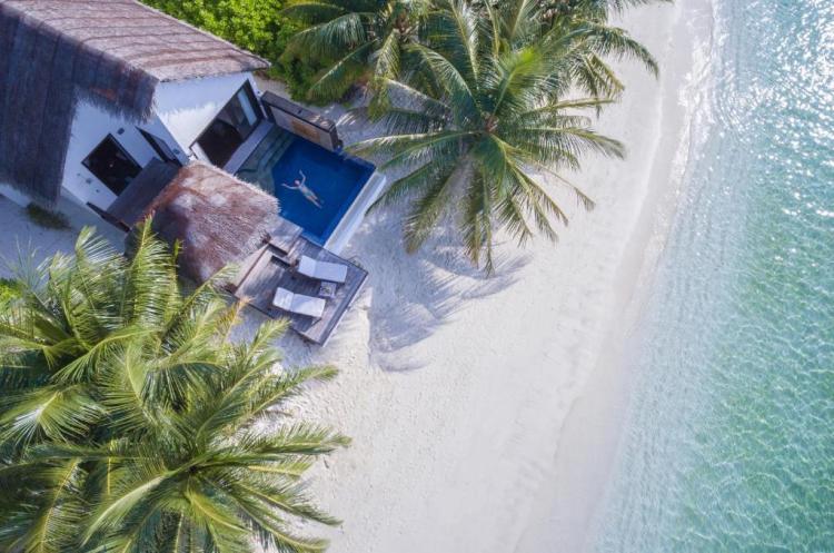 Вилла с бассейном Бандос Мальдивы