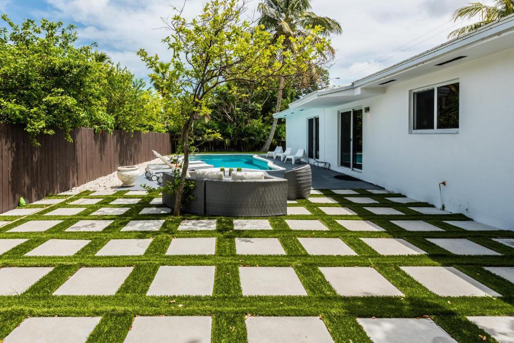 Villa Modern Home close to Miami Beach FL  Bookingcom