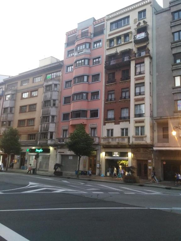 Apartamento Uria Espaa Oviedo  Bookingcom