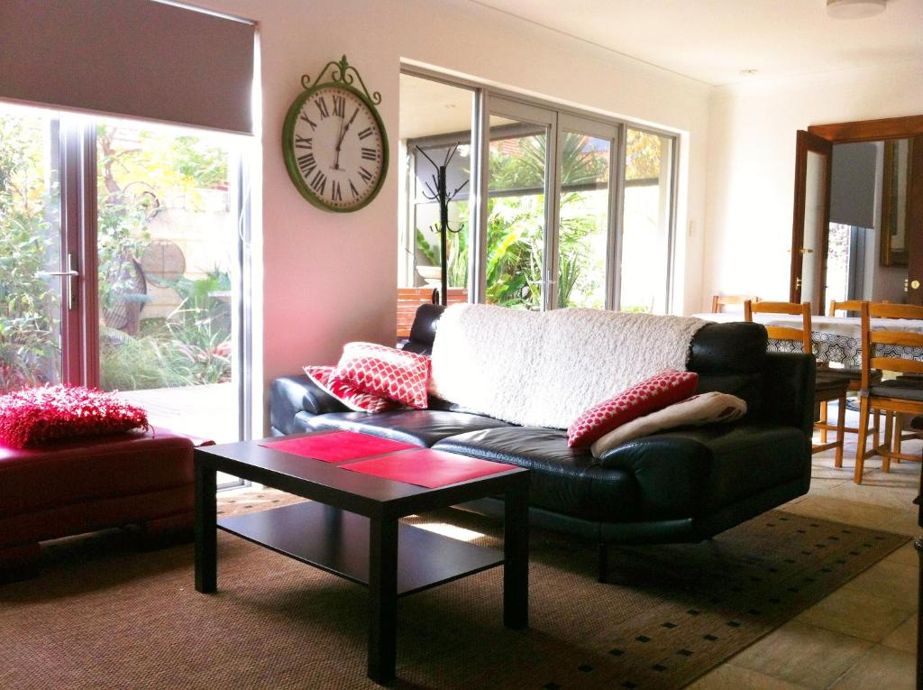 living room furniture perth australia design ideas red sofa mt lawley garden apartment booking com gallery image of this property