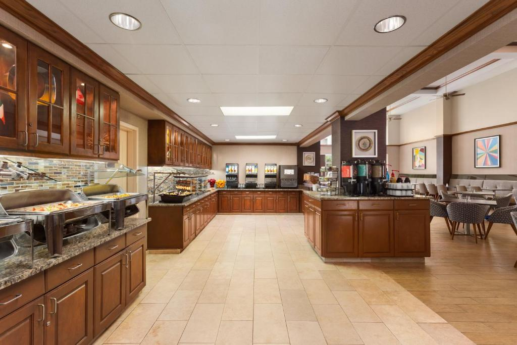 hotels with full kitchens in orlando florida home depot kitchen wall tile hotel homewood suites intl drive fl booking com gallery image of this property