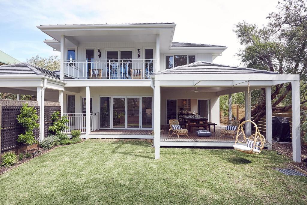 Vacation Home Verandah Retreat Cowes Australia  Bookingcom