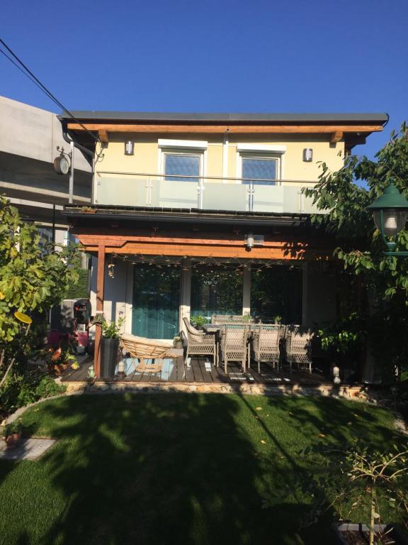 Vacation Home Haus Mit Garten Und Pool Vienna Austria Booking Com