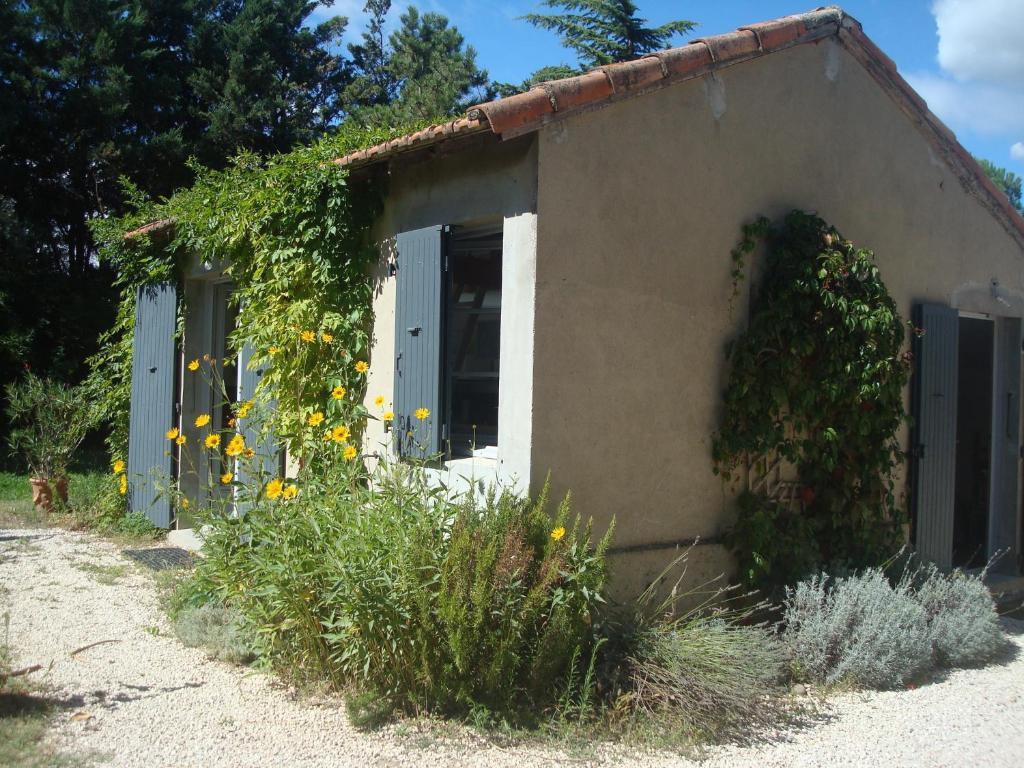 Vacation Home Petite Maison Et Jardin En Provence Charleval France Booking Com