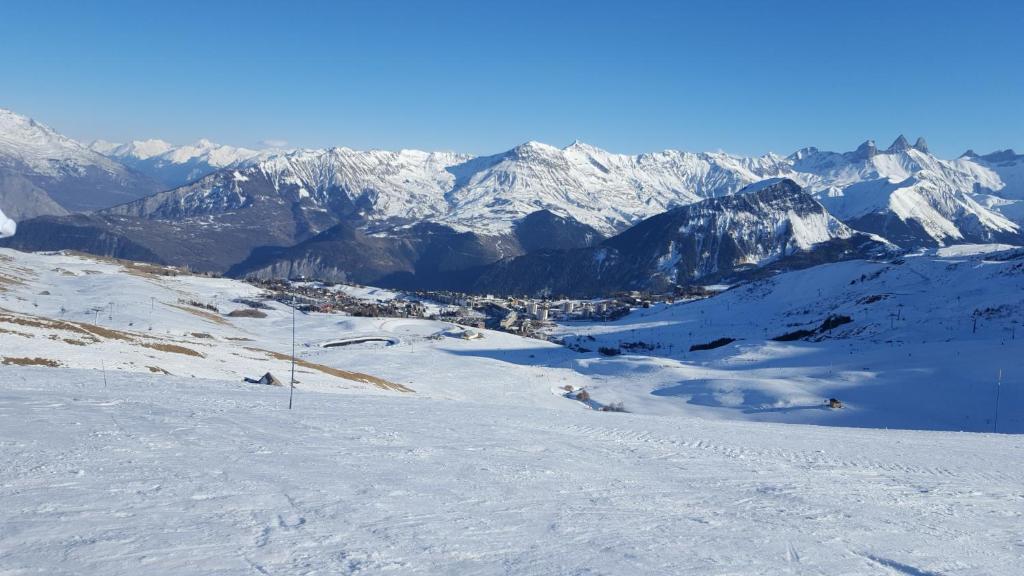 Risultati immagini per places to ski in italy