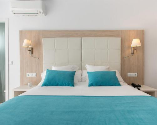 Guest Houses In Son Carrio Menorca