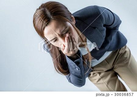 吐き気を催す女性の寫真素材 [30036857] - PIXTA