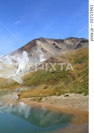 大雪山・旭岳 紅葉の寫真素材 [30725962] - PIXTA