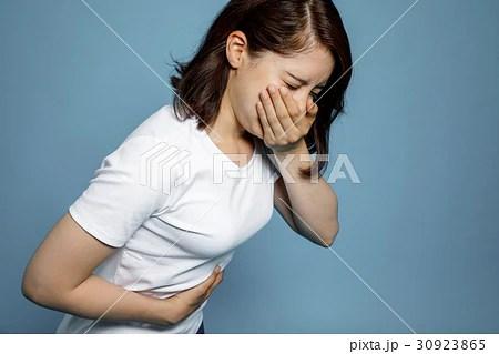 吐き気を催す女性の寫真素材 [30923865] - PIXTA