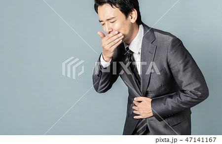 吐き気を催す男性の寫真素材 [47141167] - PIXTA