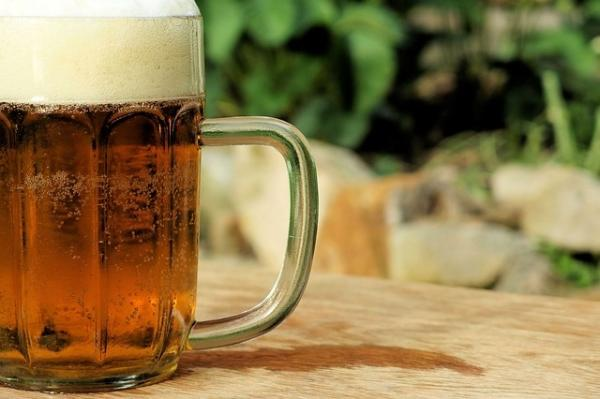How to clean plant leaves - How to use beer to clean plant leaves