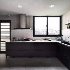 Kitchen Backsplashes Laminate Countertop 告别油烟 这样的厨房后挡板让你省时省力 上海搜狐焦点 我们最常见的厨房后挡板就是贴瓷砖 这样的厨房后挡板耐刮擦 耐热 耐水 价格合理 整体感强 可以单片更换 容易清洁 样式多